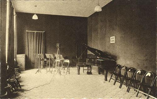 radio normandie radio normandy fernand legrand benedictine. Black Bedroom Furniture Sets. Home Design Ideas